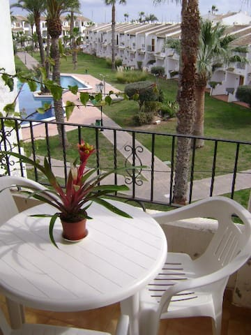 Andalusian and quiet flat in a secured property