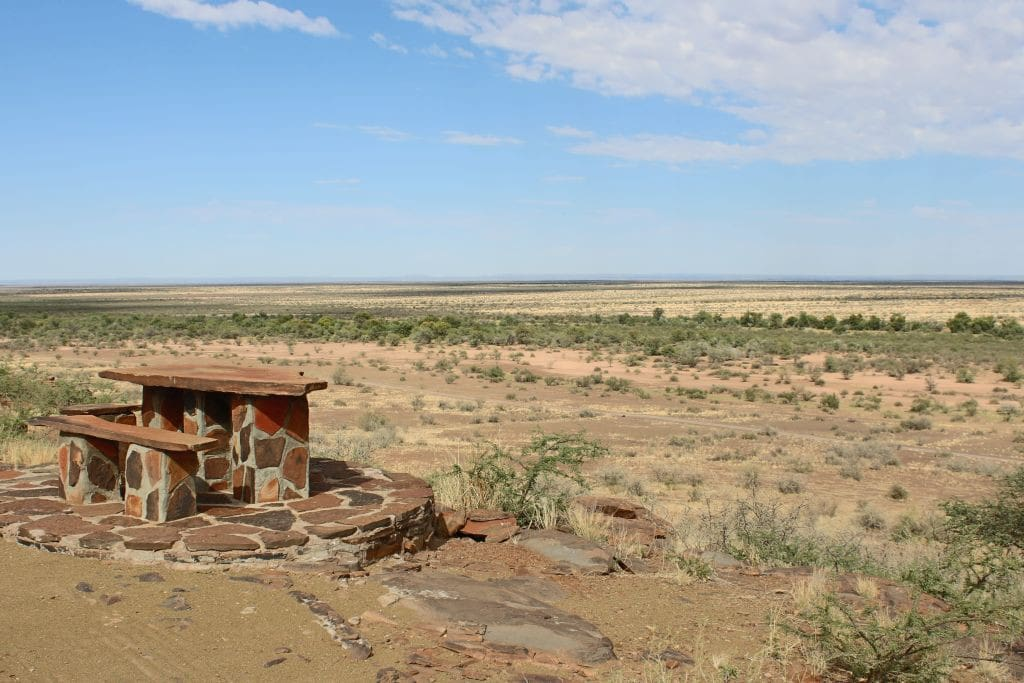 Sundowner Place at the edge of the plateau