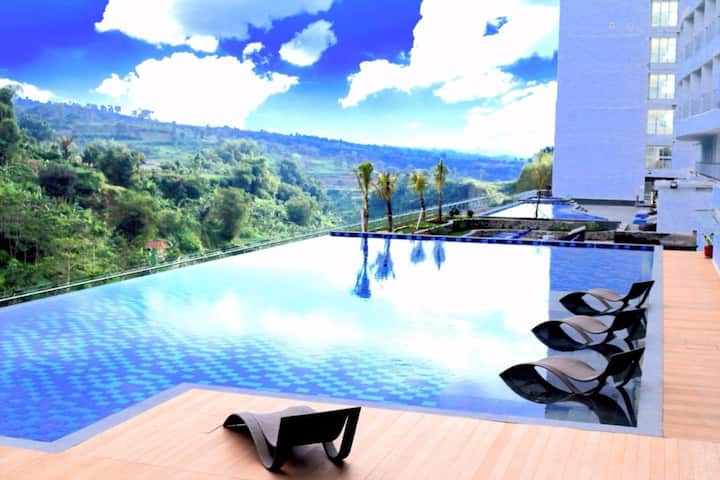 Spacious Suite Room @ Ciloto Puncak-Full Facility