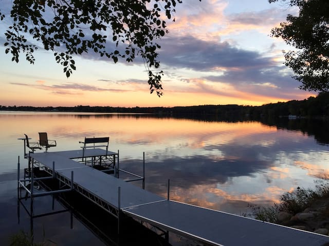 Lake Front, Sleeps 7, WIFI, Kayaks, SUPs, Canoe - Wautoma - Hus