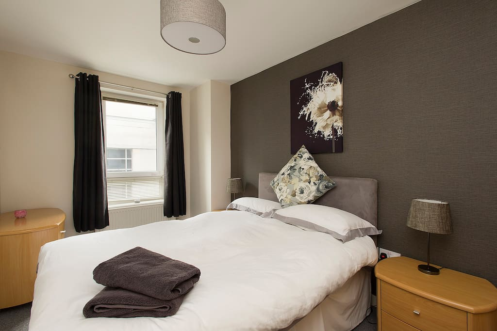 Double bedroom with en-suite shower room.