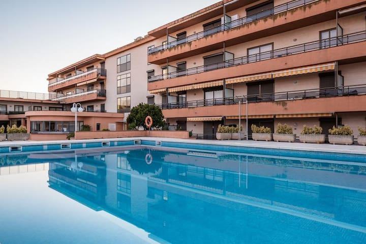 Playa de Aro centrico con piscina