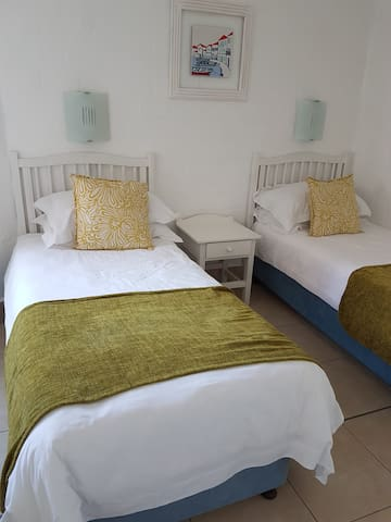Second bedroom: 2 single beds with en-suite bathroom