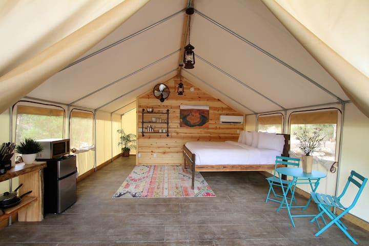 Glamping Tent #3(King Suite)