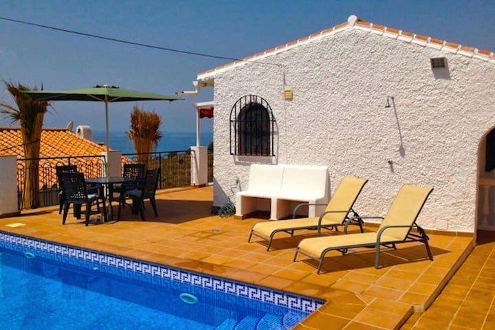 Beautiful Holiday Home in Benajarafe with Swimming Pool