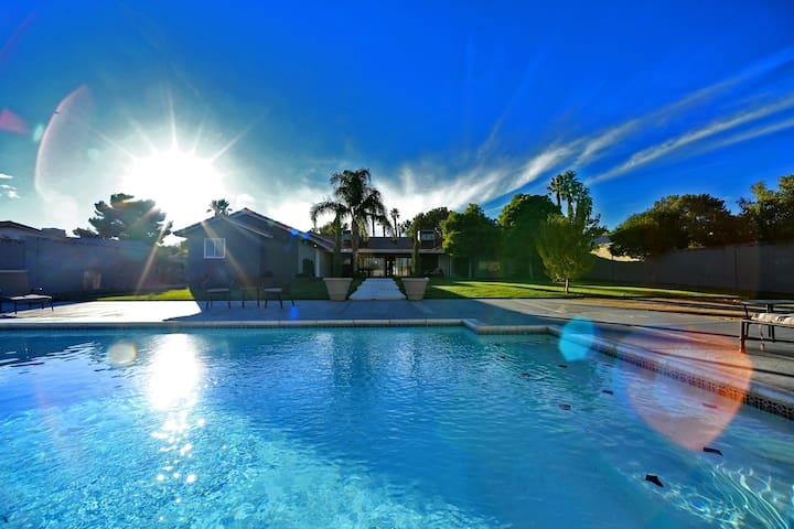 🏡Gorgeous Luxury Las Vegas Home w/ Strip views !