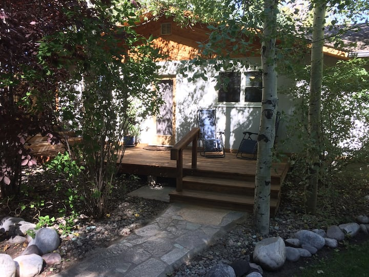 Private creekside cottage, the perfect get away
