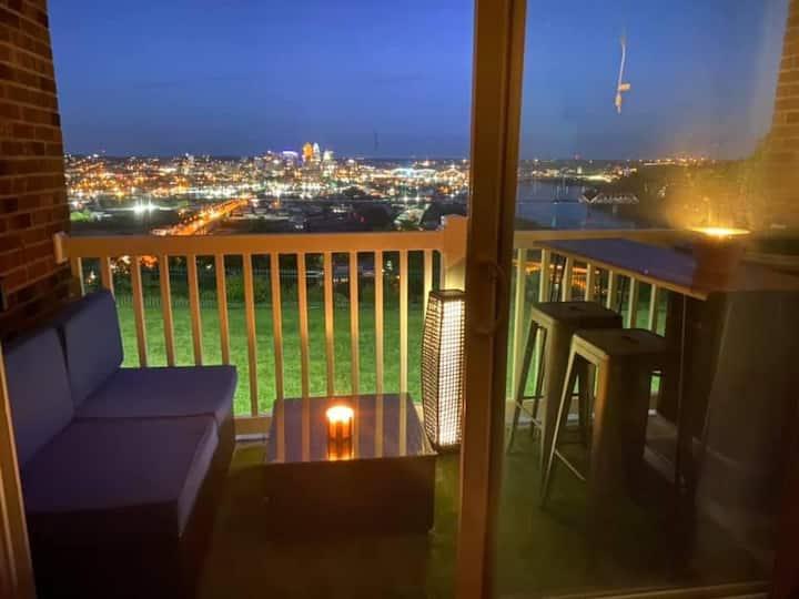 Spacious Condo with Downtown Cincinnati View