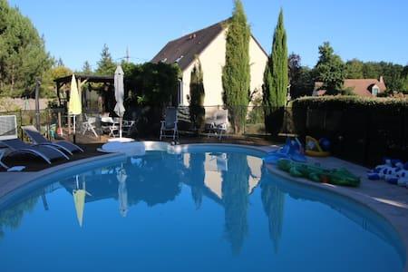 Gîte  l'Aunay, piscine, 24H LE MANS , pôle Jump