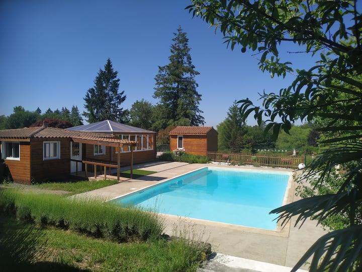 Gîte III en Dordogne, parc 3ha avec piscine, étang