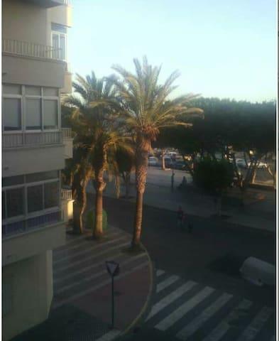 Piso en primera linea de playa - Adra - Apartment