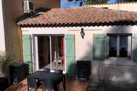 55 m2 indépendant vue sur Garlaban avec terrasse - Roquevaire