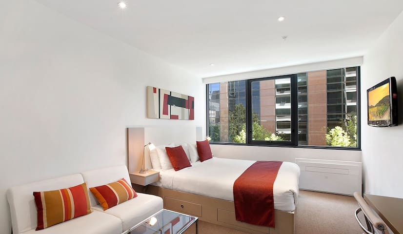 Comfy Studio Apartment in the CBD - Melbourne