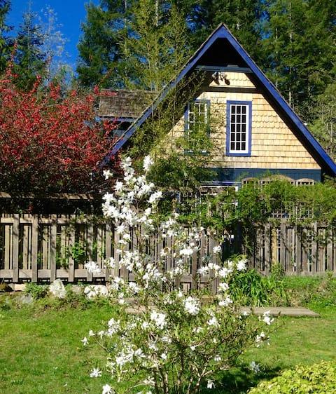 Indigo Cottage at Ruby Lake