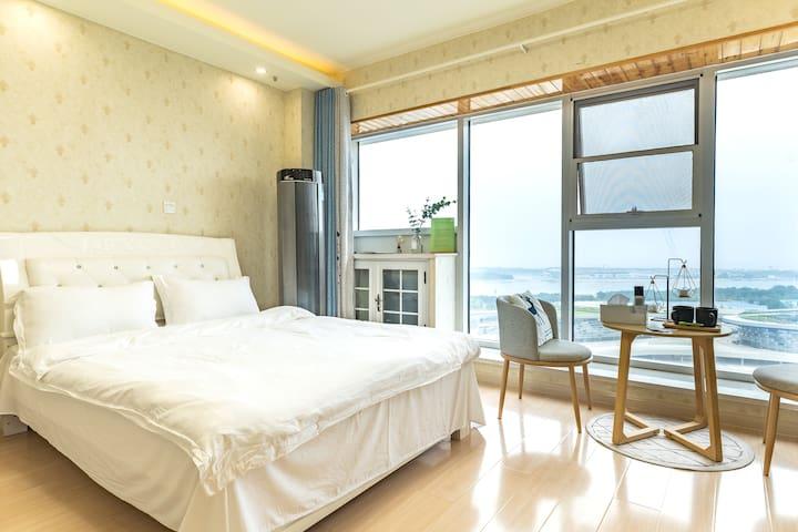 【sea u】落地窗海景房|万平口|东夷小镇|太阳广场|温馨独立公寓