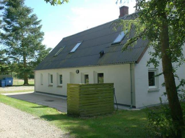 Spejderhytte til 35 personer - Albæk - Casa de campo