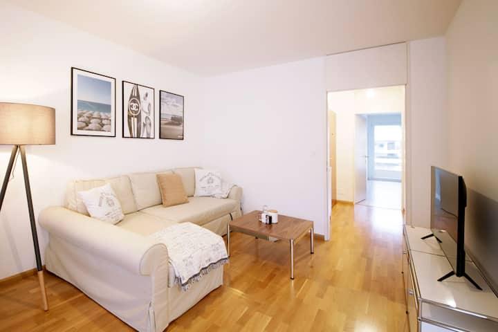 Hochwertig möbliertes Apartment