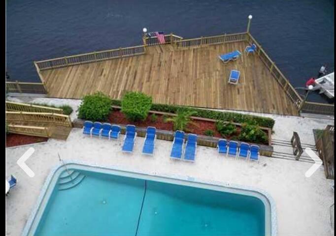 Downtown Tampa Waterfront Retreat