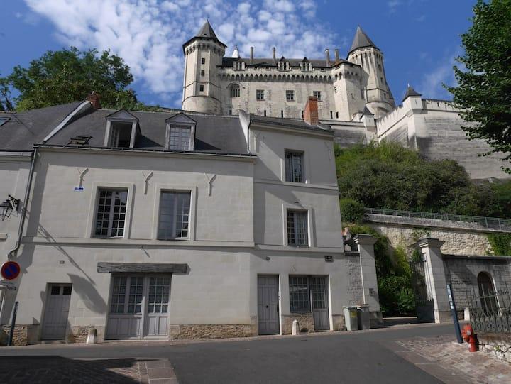 Duplex au calme avec parking aux pieds du château