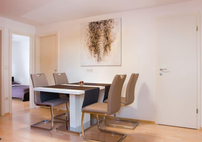 NEW COSY APARTMENT+FREE PARKING - Liubliana - Apartamento
