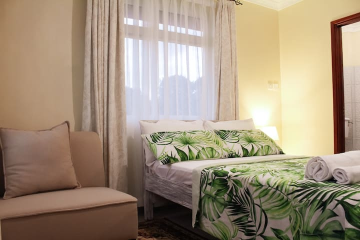 Calm Green Guest Room