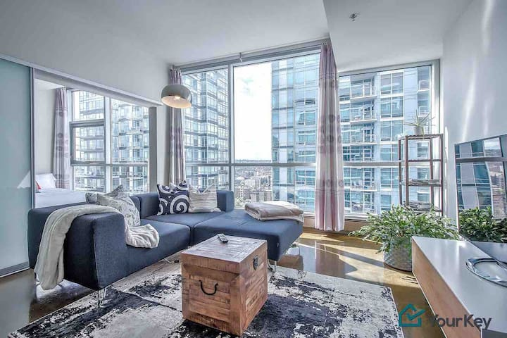 Fabulous 2Bedroom Condo in an Unbeatable Location!