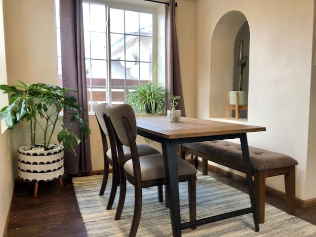 Casa Selva - Cozy Old Town and Downtown House