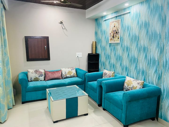 The Dukes Retreat - 2BHK Apartment in Tri City
