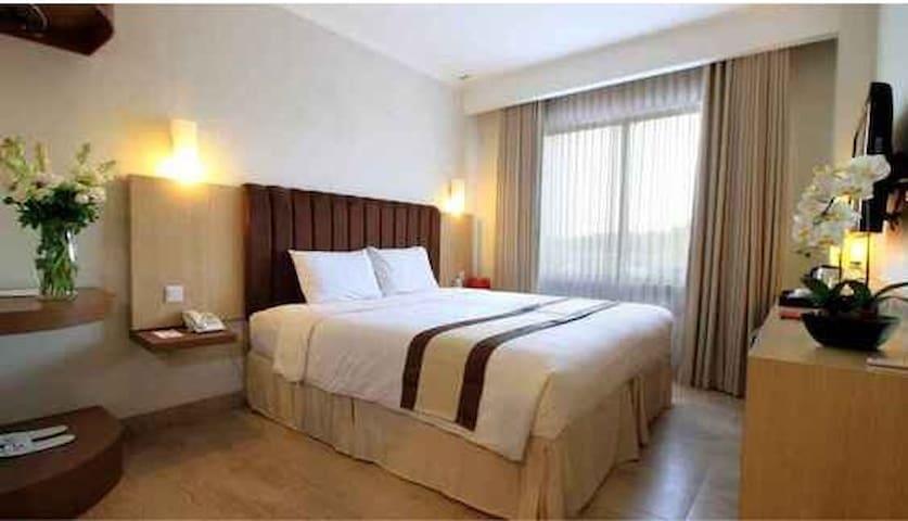 Bueno Colombo Hotel and Resort