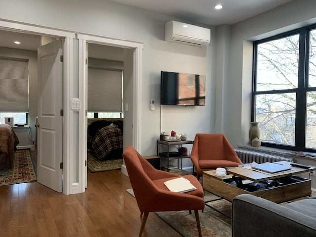 BEAUTIFUL APARTMENT IN DITMARS AREA AVAILABLE ASAP