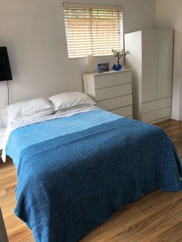 Studio/Guest Suite: Nthn Beaches Sydney-Narraweena