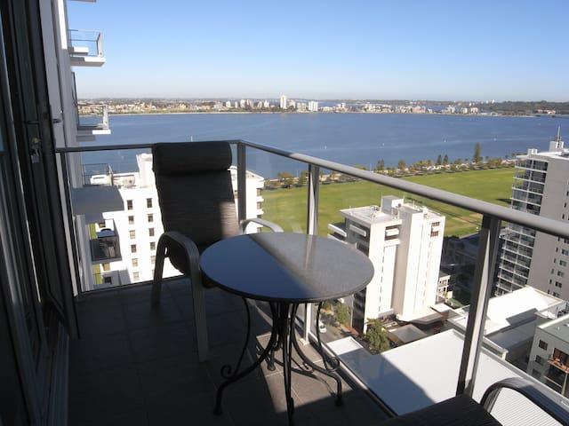 [814] Luxury, Pool, Gym, Views! - East Perth - Lägenhet