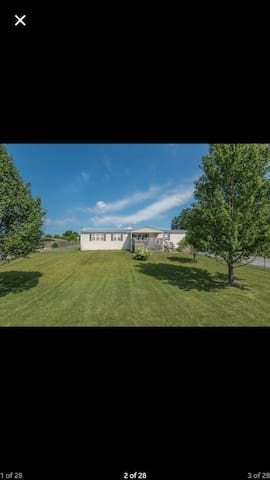 Huge home in country setting - Corryton