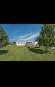 Huge home in country setting - Corryton - House