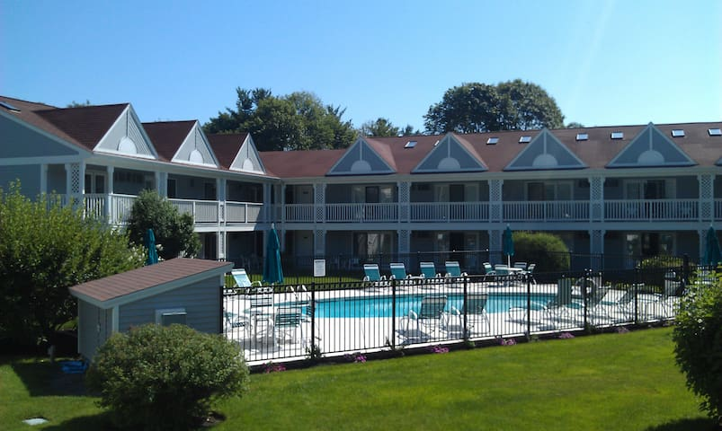 Ogunquit Condo Near Downtown & Beaches