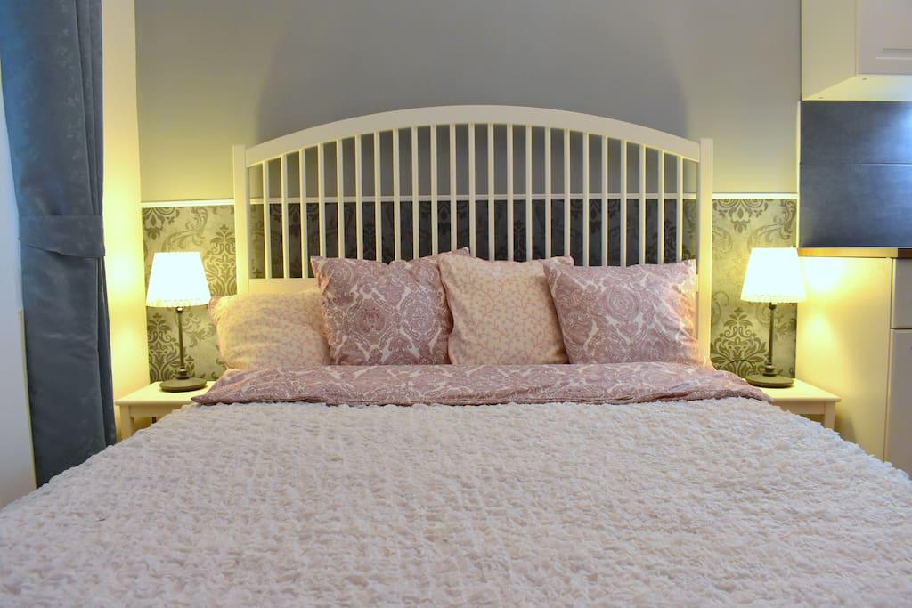 King sized super comfy bed