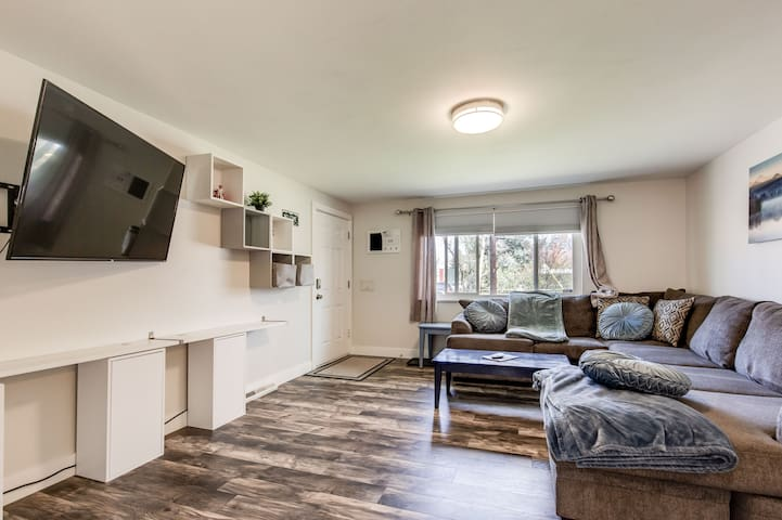 Townhome in 40 West Art District, 420 Friendly!