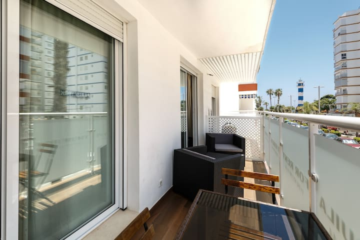 Beautiful and modern 1b apt. Terrace. 150 m from the beach of Torre del Mar
