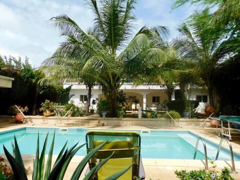 APPARTEMENT Warang Plage avec suites, piscine