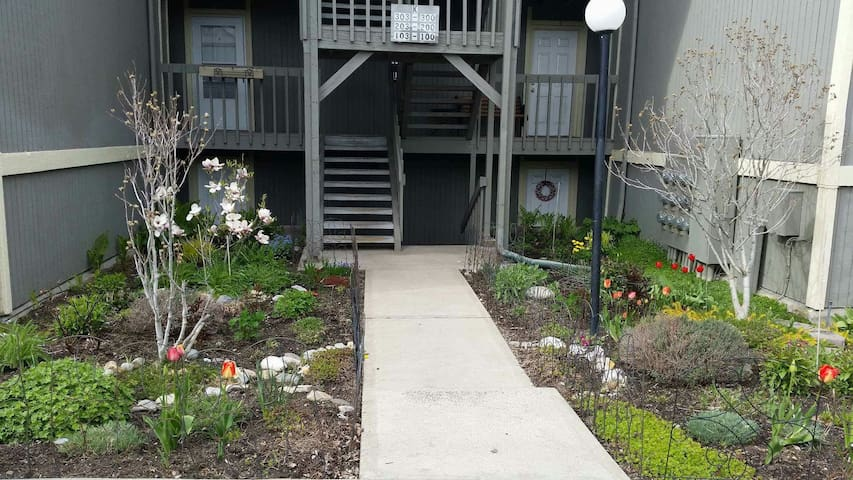 Elegant Garden Condo - Amenities! Location! - Spokane Valley - Byt