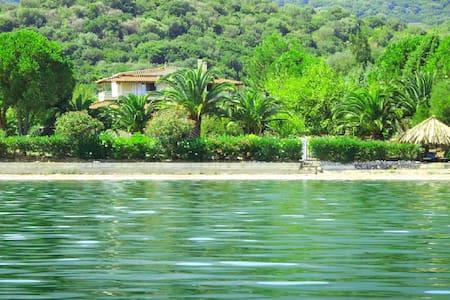 Villa Porto Matzavino,Lefkada,Vonitsa,West Greece - Vonitsa - Casa de campo
