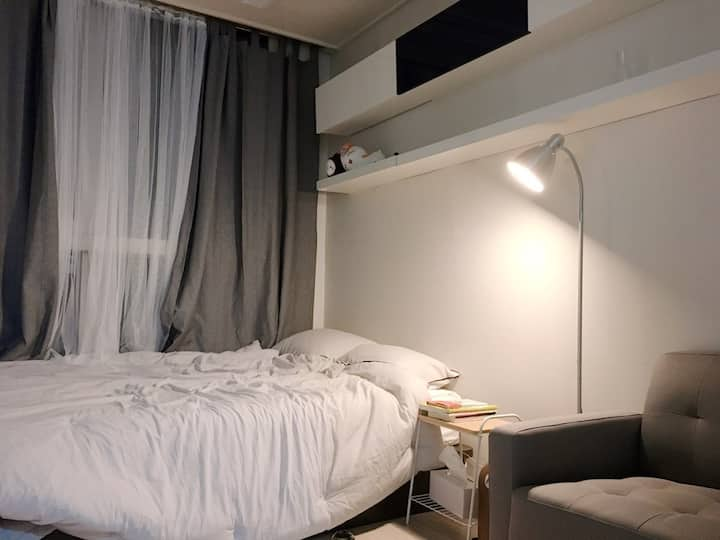 5 minutes from Dongdaemun, Bonobo House