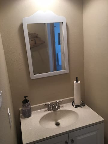 Upstairs bathroom, vanity & mirror