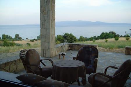 Βίλα κοντά στη θαλασσα στο Δεβελίκι, χαλκιδικης - Chalkidiki
