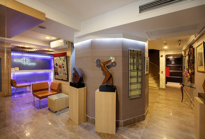 serviced 45 m2. 1+1 in Nisantasi