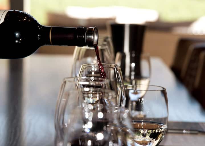 Relax & Wine Taste