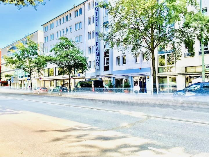 Business Double Room in the hearth of Frankfurt