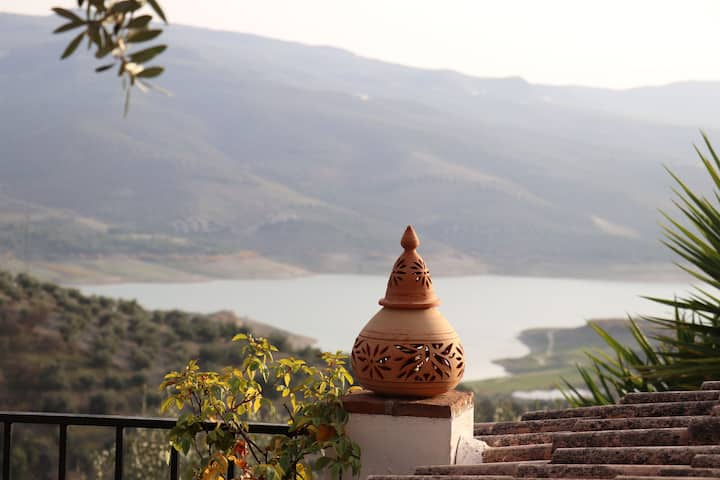 Casa de Ladera, Fantastic Lake & Village Views.