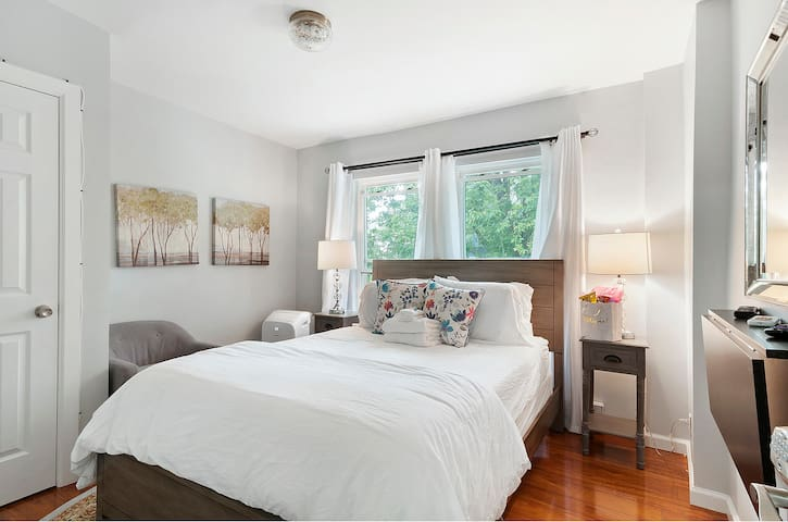 Garden Suite Near Rittenhouse Square