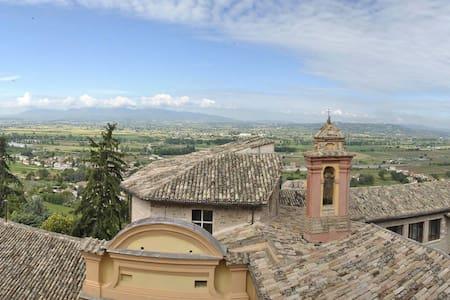 Accogliente ed ospitale nella bella e verde Umbria - Appartamento